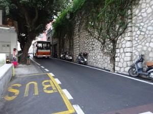 ポジターノの市街の道