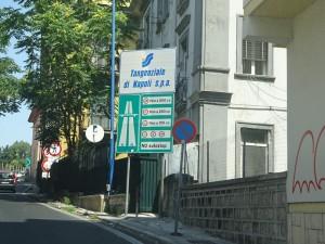 ナポリ高速サイン②