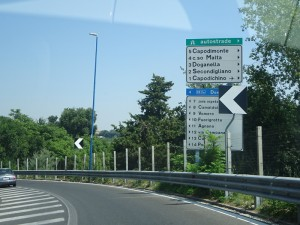 ナポリ高速サイン
