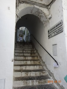 路地の階段